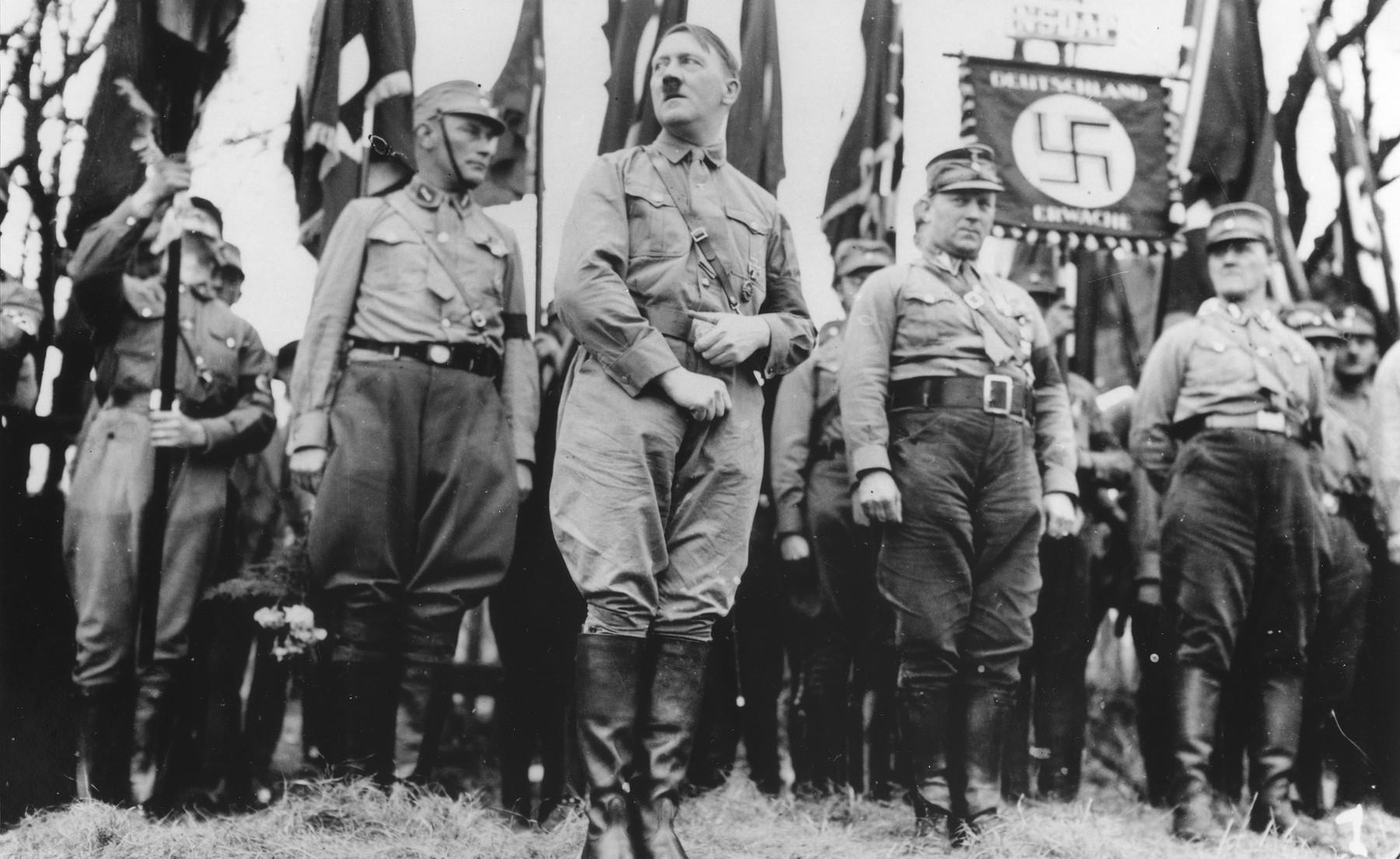 Hitler's Uniforms 1920 - 1945