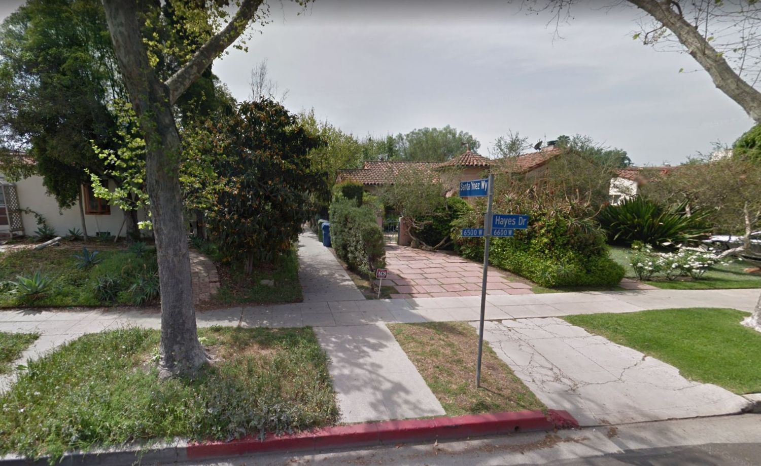 cd50a64a92d Santa Ynez Way is one of six walk streets within the Carthay Circle HPOZ  that run north to south from Wilshire to Olympic Blvd. The pedestrian  experience ...