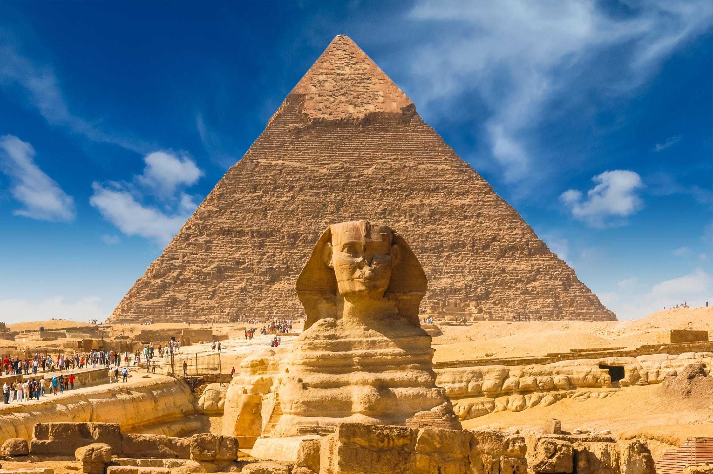 sphinx pyramids egypt